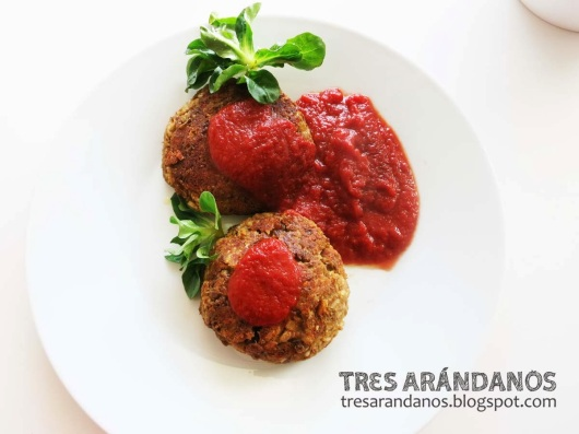hamburguesas vegetarianas con tomate